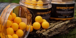 Esterfruit Cream Pop Up von CC Moore.